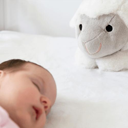 liz-baby-in-bed-300dpi